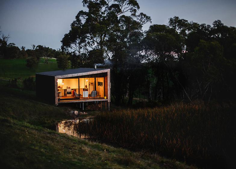 Pump-House-by-Branch-Studio-Architects_dezeen_ss_13