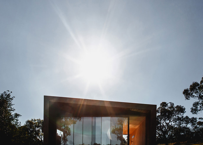 Pump-House-by-Branch-Studio-Architects_dezeen_ss_5