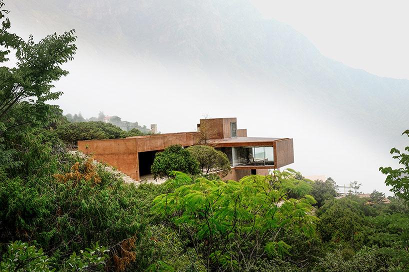 Casa Narigua de p + 0 Arquitectura
