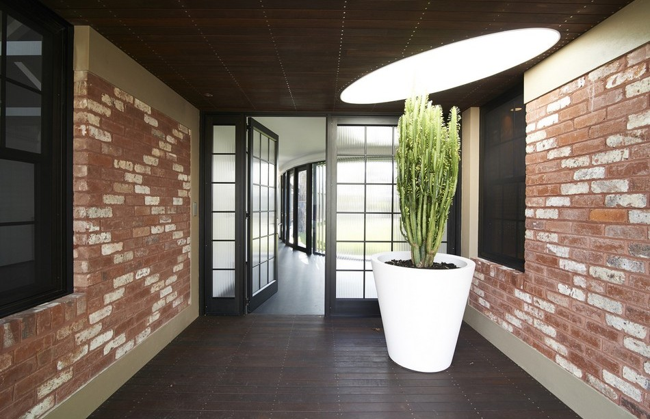 oval-courtyard-project-12-950x613