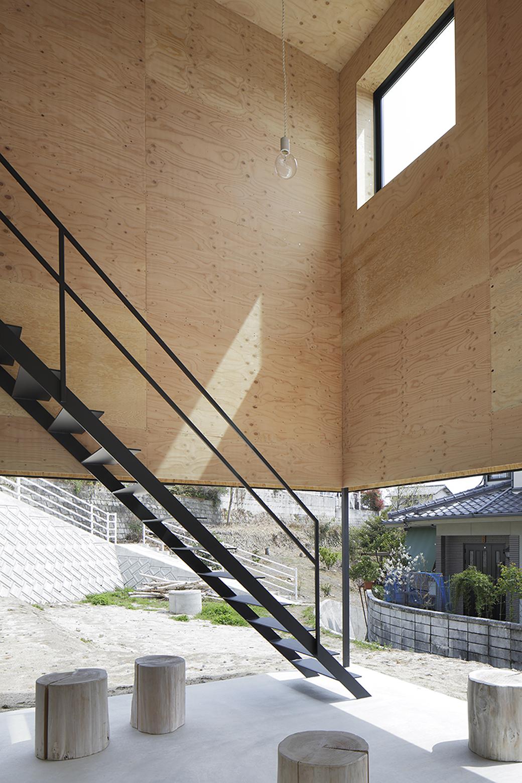540ea187c07a808f0a000157_house-in-miyake-hidetaka-nakahara-architects-yoshio-ohno-architects_oono_miyake_140407_024