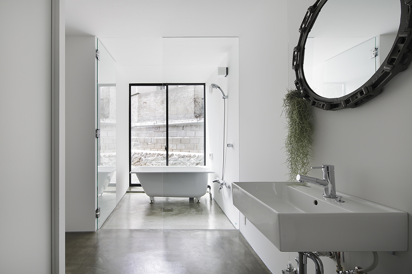 540ea194c07a802ff5000175_house-in-miyake-hidetaka-nakahara-architects-yoshio-ohno-architects_oono_miyake_140407_034