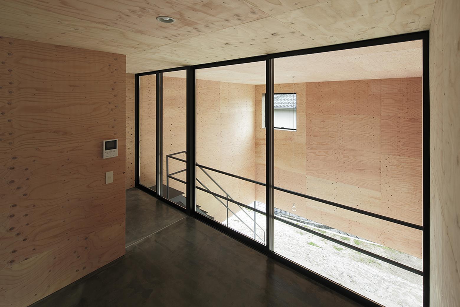 540ea1b6c07a802ff5000176_house-in-miyake-hidetaka-nakahara-architects-yoshio-ohno-architects_oono_miyake_140407_051